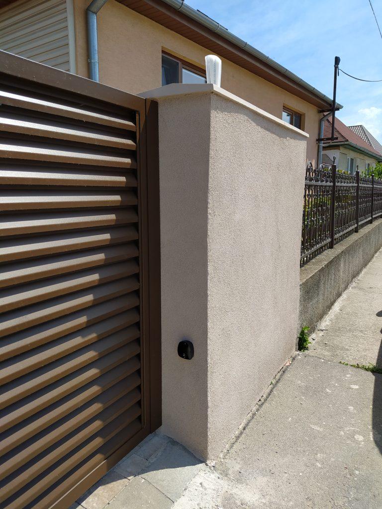 Dvojkrídlová brána, bránička a plotové dielce