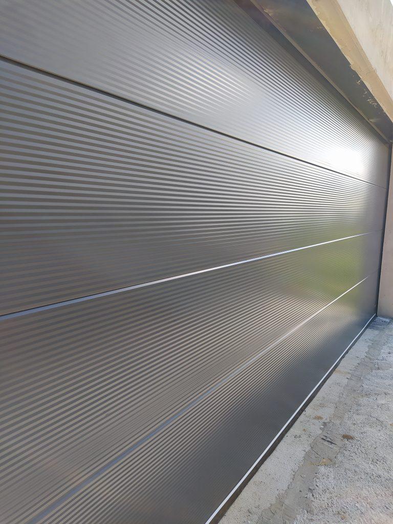 Automatická garážová brána