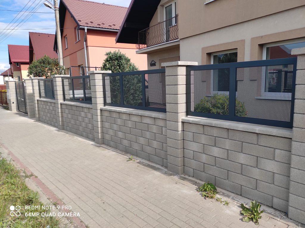 Dvojkrídlová brána, bránička, plotové dielce
